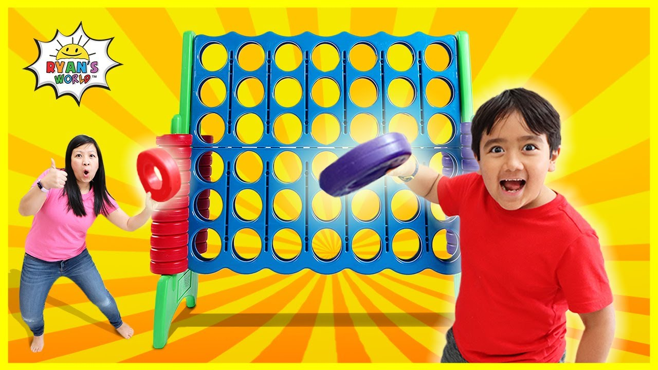 Ryan and mommy Pretend Play with Giant Connect 4 toy!!!