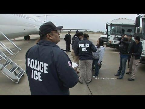 Agentes Examinan Antecedentes En Penal De Fresno
