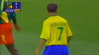 Ronaldinho vs Cameroon (23/09/2000)