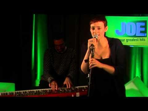 Hooverphonic - Amalfi (live bij JOE)