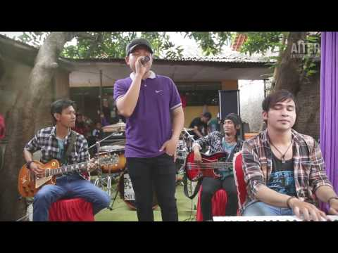 AITER Band _ Pilihan Hati - Cover Hello Ft  Mega (Perform On Stage)