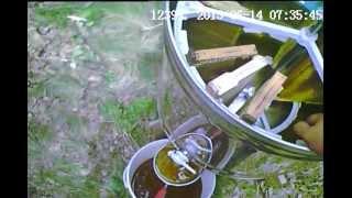 Моя пасека ( мы качаем мёд другой медогонкой)
