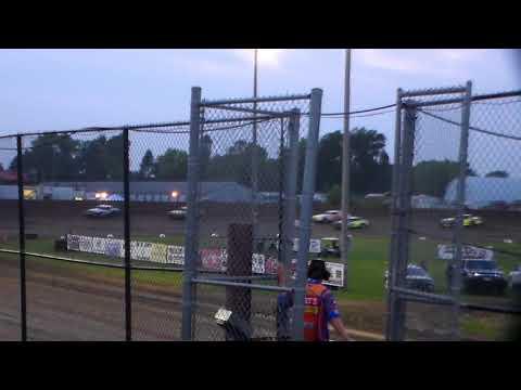 Hobby Stock Heat 1 @ Marshalltown Speedway 09/01/17