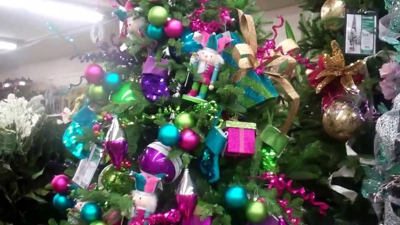 Christmas tree decorating ideas at Moskatelu0027s Los Angeles & Christmas tree decorating ideas at Moskatelu0027s Los Angeles - YouTube