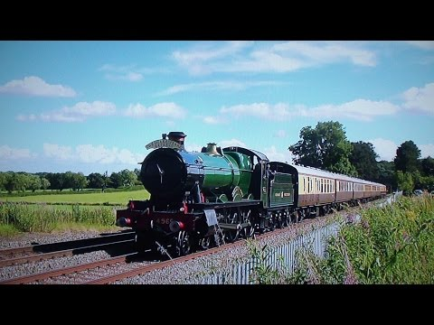 4965 'Rood Ashton Hall' Tackles The North Warwick Line - Shakespeare Express - 2016