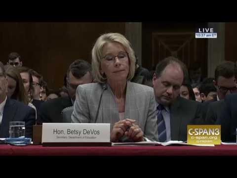 Sen. Murray Questions Education Secretary DeVos in Hearing