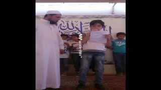 الطالب محمد طارق بابتدائية الرواد ببريدة يقدم الإذاعة المدرسية باللغة الانجليزية