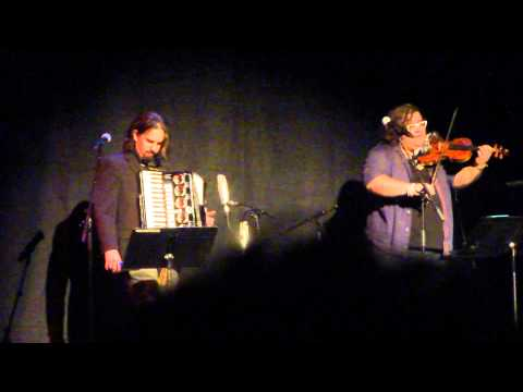 Bear McCreary & Paul Proteus -  The Bonnie Banks O' Loch Lomond - Outlander Premiere