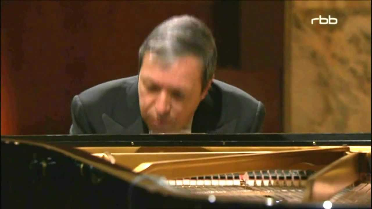 Murray Perahia (Pianist)