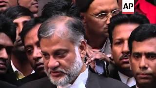 Bangladesh halts execution of opposition leader