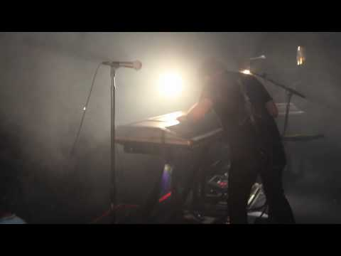 "NIN: ""Cars"" with Gary Numan, London 7.15.09 [HD]"