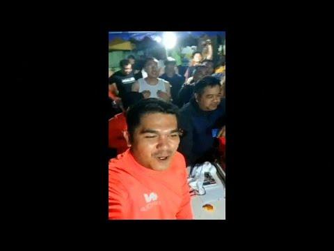 شاهد: لحظة احتفال عمال الإنقاذ بالعثور على العالقين أحياء بكهف في تايلاند …  - 18:21-2018 / 7 / 3