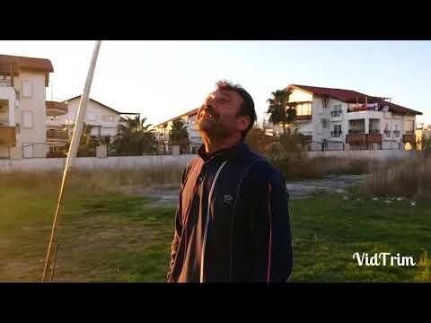 Adana Güvercini Besleyen Dayının Yanındayız Ve (kuşlarını Ucuruyor)