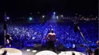 Calle 13 - Dándole la Vuelta al Mundo