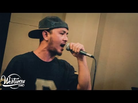 R.E.P - Green Effect ft Luo Endo ( live on OZ radio Bandung)