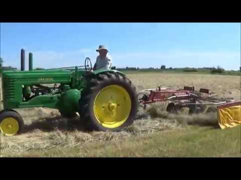 John Deere A With H&S SR420/11H Rotary Rake | Raking Straw