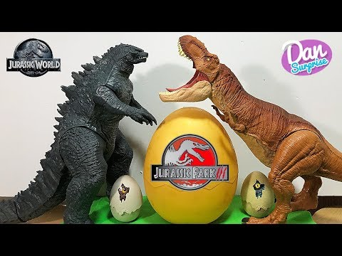 Hatching Dangerous Dinosaurs! Jurassic Park Dinosaur Toys Fun Video