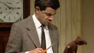 Mr Bean - Packing for holiday(OFFICIAL MR BEAN. Mr Bean can't fit everything in his suitcase along with his tins of beans so comes up with ingenious ways of fitting things in. Classic clip from ..., 2009-10-15T14:04:03.000Z)