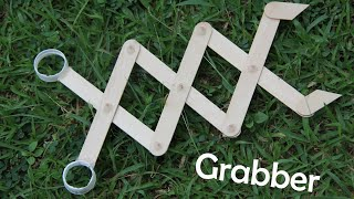 HOW TO MAKE A ROBOTIC ARM (GRABBER) at home out of POPSICLE STICK - DIY  [4K]