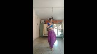 Gauri Thanekar|Govyachya kinaryavar dance|Easy steps|Marathi dance|Sangeet choreography for bride|