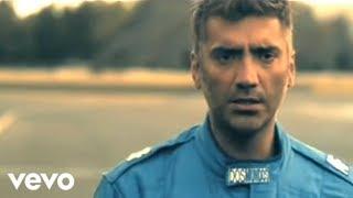 Alejandro Fernández - Me Hace Tanto Bien (Video Oficial)