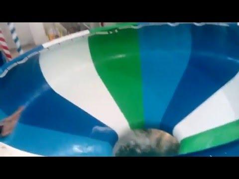 прикол В аквапарке - На русском, Видео, Смотреть онлайн