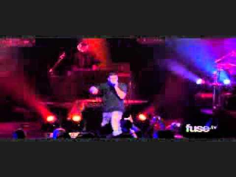 Drake Performs Show Me A Good Time Live
