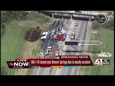 4 killed in fiery crash on I-70 outside of KC - YouTube