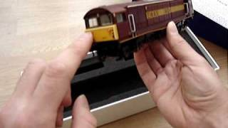 Opening the Heljan class 58 in EW&S livery