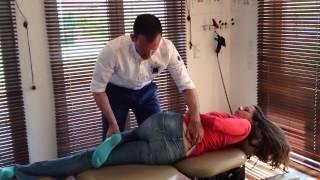 Beim Chiropraktiker HD - Chiropraktik in Aktion