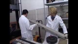 Испытание образцов бетона и бетонных балок в лаборатории(, 2013-06-19T08:48:40.000Z)