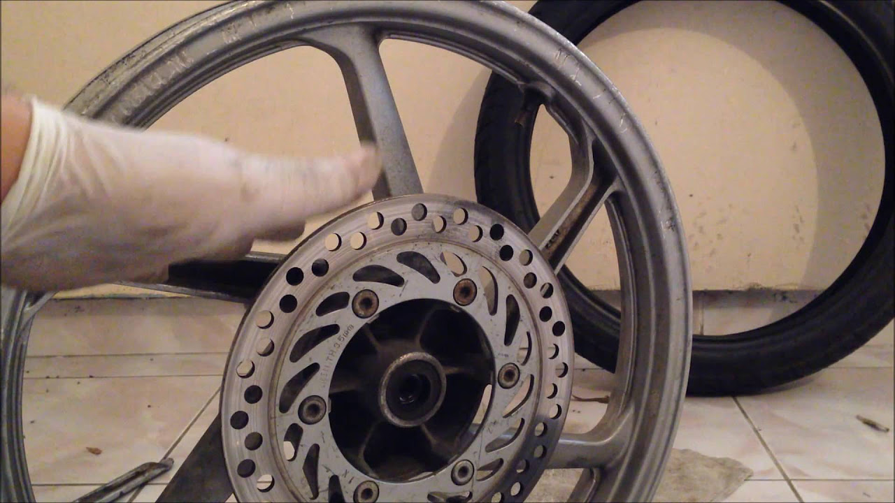 Motorsiklet Lastiği Nasıl Değiştirilir(Kuba Black Cat)