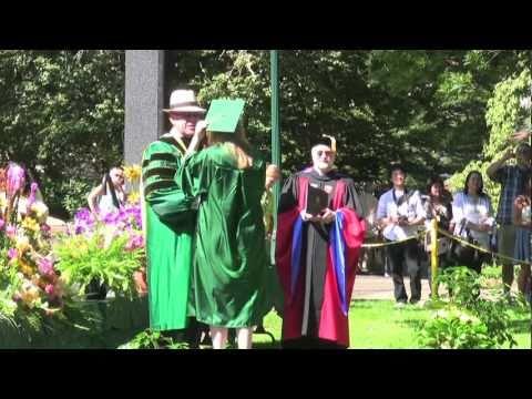 2010 Summer Graduation at the University of Oregon (HD)