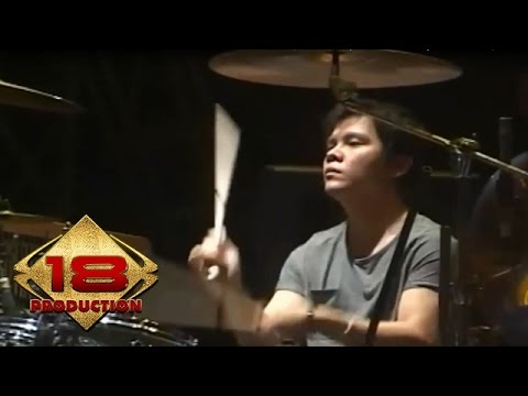 Armada - Mau Dibawa Kemana  (Live Konser Banjar Jawa Barat 4 September 2013)