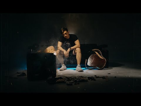 BONI - ПЕРВЫЙ ПОЦЕЛУЙ (Official Music Video)