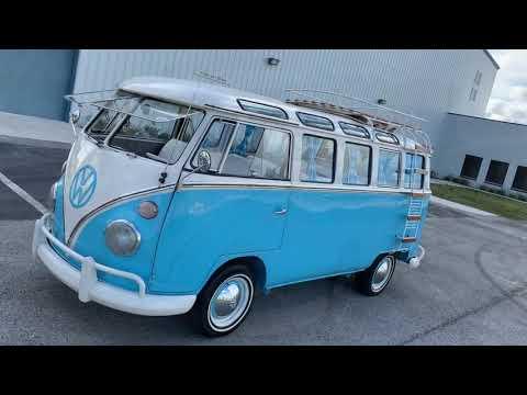 1970 VW Bus 23 windows Deluxe microbus