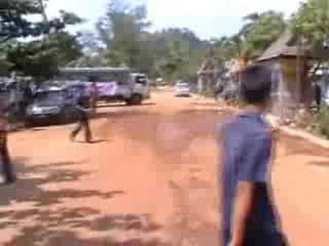 Tsunami 2004 Thailand Ao Nang 26 Dec 2004 10:04