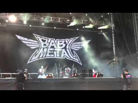 BABYMETAL@Rock in Vienna - Head Bangeeeeerrrrr!!!!!
