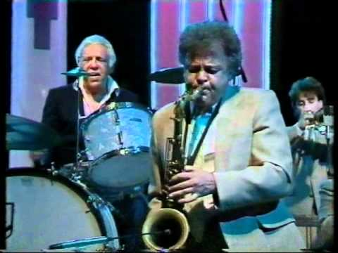 "Buddy Rich live on the Parkinson show 1987 ""Shawnee"""