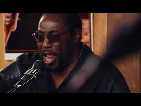 Download Daryl Hall & The O'Jays - For the Love of Money (LFDH)