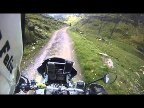Offroad: BMW R 1200 GS Adventure vs BMW  F 800 GS