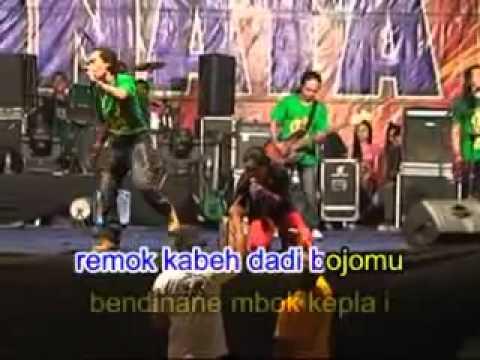 monata live rembang 2011 ratna antika& sodiq ojo njaluk pegat   YouTube