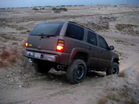 tahoe z71 2003 offroad - YouTube
