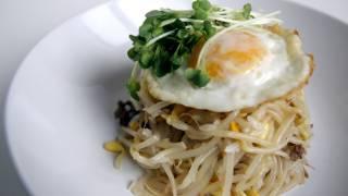 Soybean sprouts bibimbap (kongnamulbap: 콩나물밥)