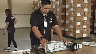 Tribunal Regional do Distrito Federal deu início ao processo de lacração dos equipamentos eletrônicos que serão usados na votação do dia 28 de outubro.