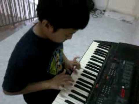 Hisham playing fur elise at keyboard