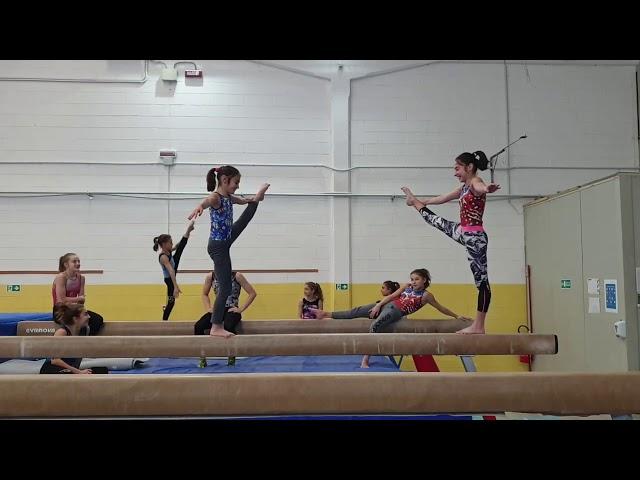 EQUILIBRIO SULLA TRAVE CHALLENGE!! ginnastica artistica CSB