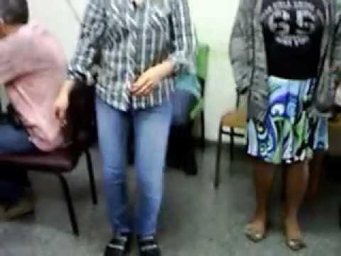 doentes mentais dançando no CAPS DE ITAQUERA