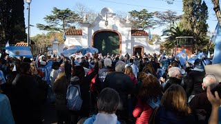 Otro cacerolazo en Olivos por la suspensión de las clases presenciales
