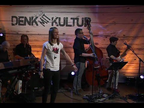 Christina Stürmer (CS) singt S.T.S. Gö du bleibst heut Nacht bei mir (HD)